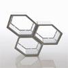 Segment sv�tidla HONEYCOMB, materi�l polycarbon�t, leskl� b�l�, rozm�r jedn� krabice 236x246x304mm, h=80mm.