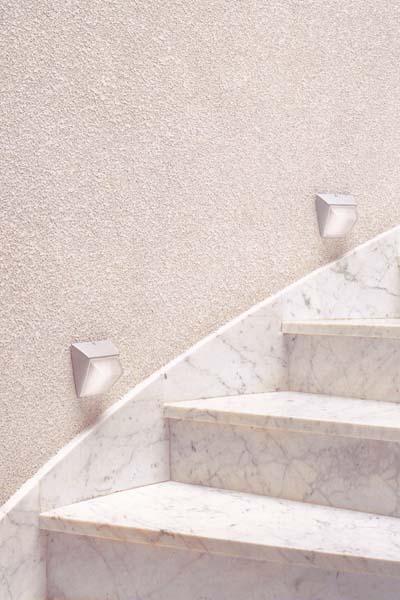 ODILE - svítidlo vhodné pro osvětlení schodiště